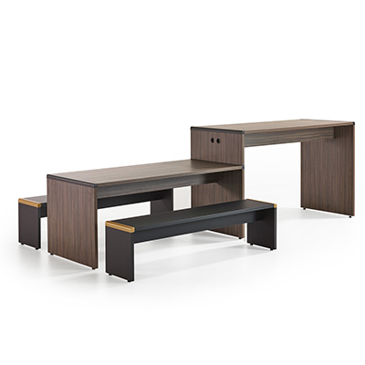 Extru Table