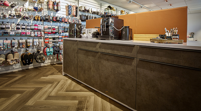 Keuken Outlet Store : Showroom angro bv custom made furniture reference lande